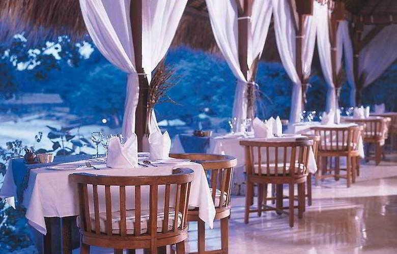 Nusa Lembongan Resort - Restaurant - 7