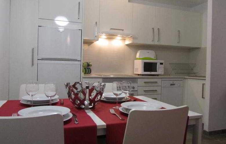 Living Valencia Apartments - Edificio Vitoria - Room - 6