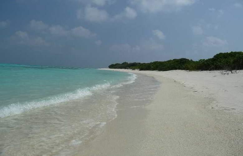 Ukulhas Inn - Beach - 15