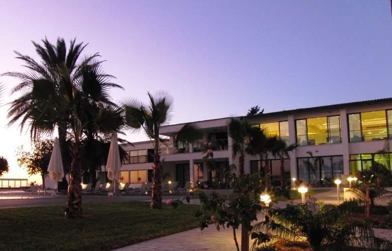 Royal Blue Hotel & Spa Paphos - Hotel - 3