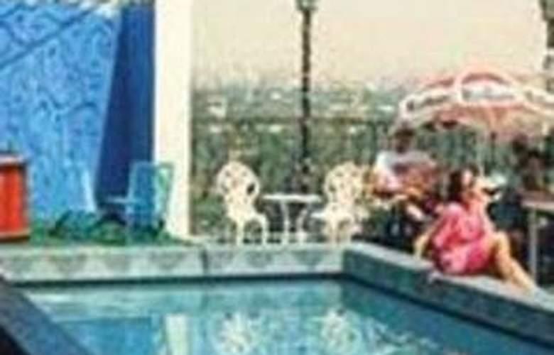 Royal Marchel - Pool - 2