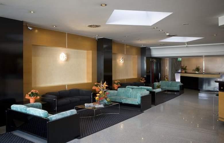 Junior - Hotel - 2