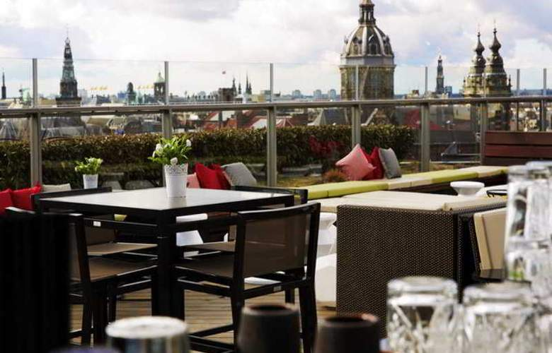 DoubleTree by Hilton Amsterdam Centraal Station - Terrace - 33