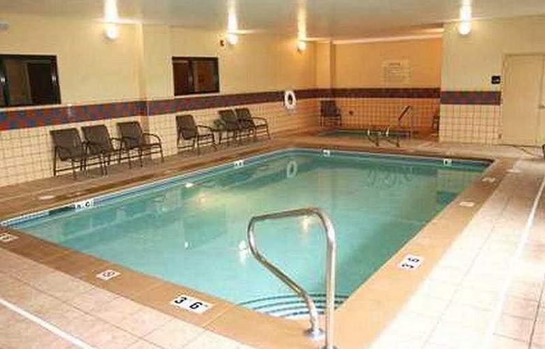 Hampton Inn Boise Airport - Pool - 4