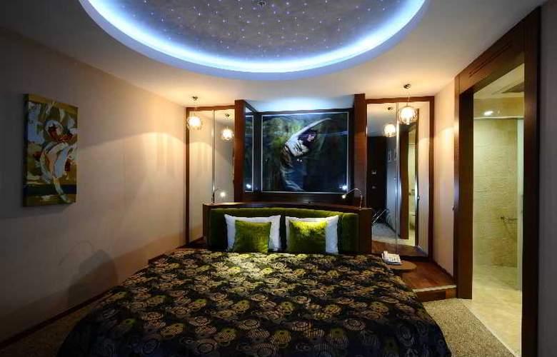 Ramada Podgorica - Room - 10