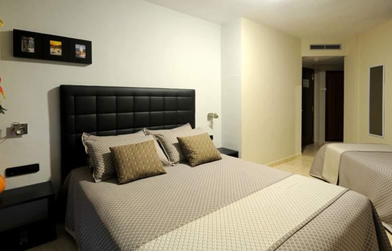 Montmar Roses - Room - 2