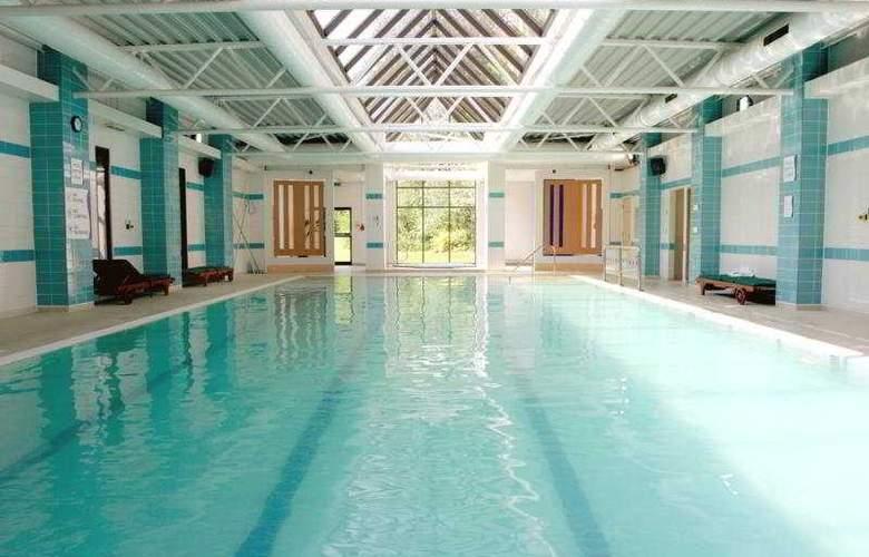 Holiday Inn Haydock M6 J23 - Pool - 2