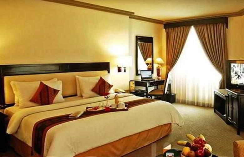 Travellers Hotel Jakarta - Room - 0