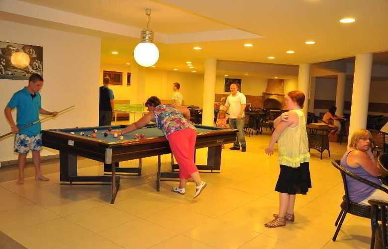 St Nicholas Park Hotel - Bar - 9