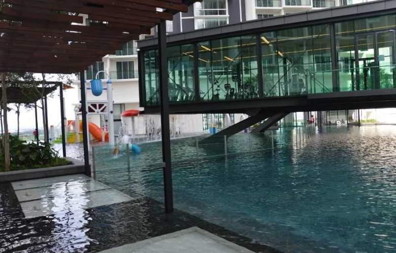 Swiss-Garden Hotel & Residence Malacca - Pool - 11