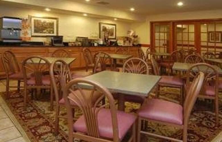 Sleep Inn & Suites (Grand Rapids) - Restaurant - 6