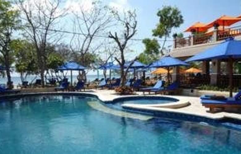 Villa Grasia Resort & Spa - Pool - 9