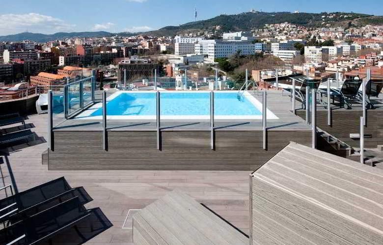 Catalonia Park Güell - Pool - 13