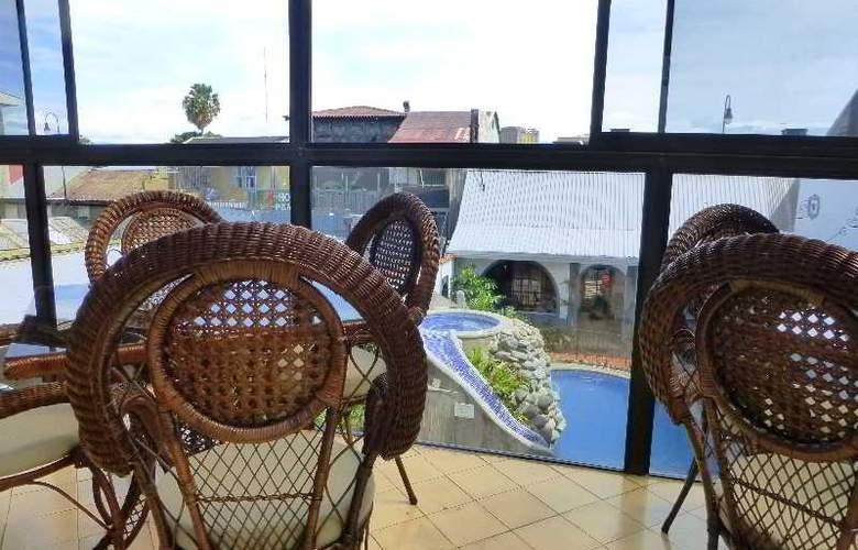Santo Tomas - Terrace - 11