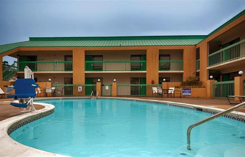 Best Western Flagship Inn - Pool - 54