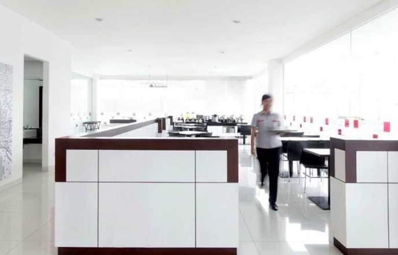 Amaris Hotel Pekanbaru - Restaurant - 4