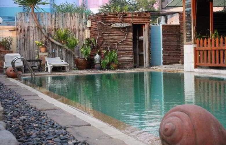 The Pinewood Residences - Pool - 11