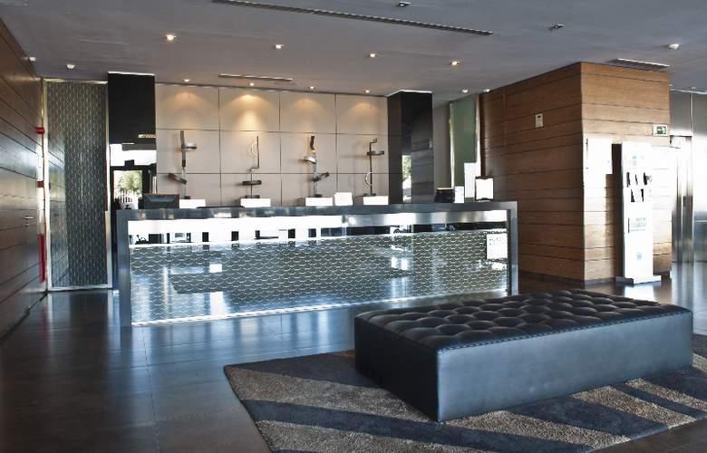 Hotel Ciudad de Mostoles - Hotel - 0