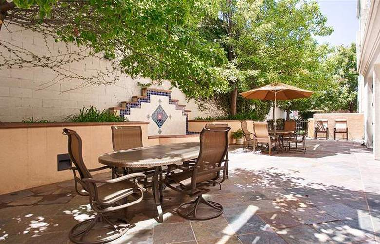 Best Western Plus Coyote Point Inn - Hotel - 11