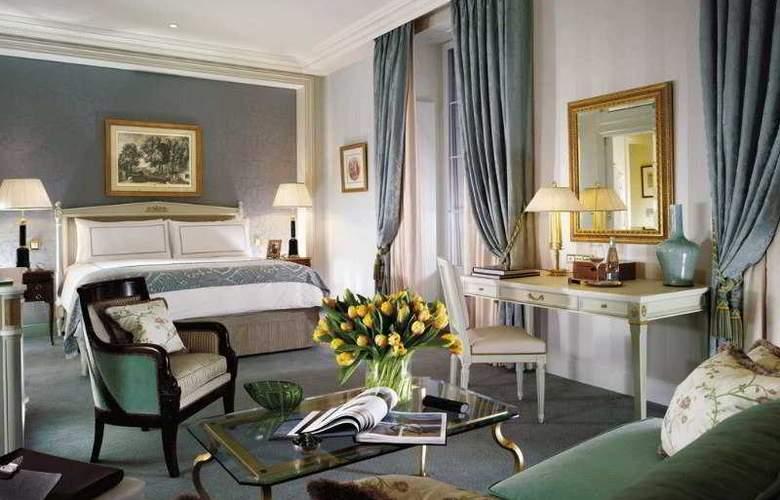 Hotel Four Seasons Des Bergues - Room - 8