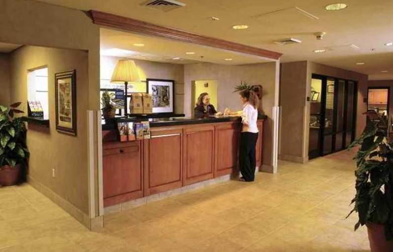 Hampton Inn Pensacola-Airport (Cordova Mall) - Hotel - 0