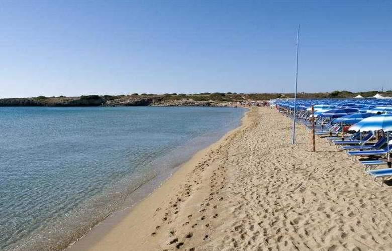 Arenella Resort - Beach - 9