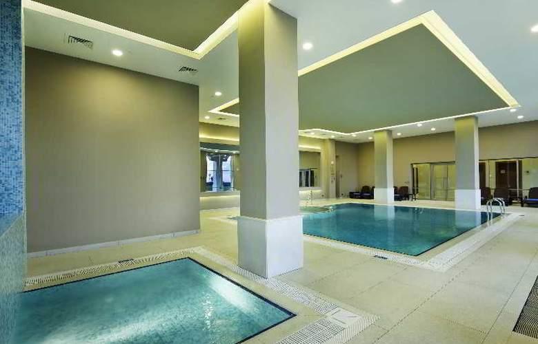 Hilton Garden Inn Mardin - Pool - 11