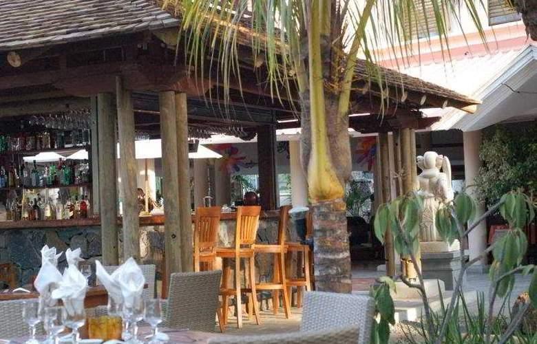 Aanari Hotel & Spa - Bar - 4