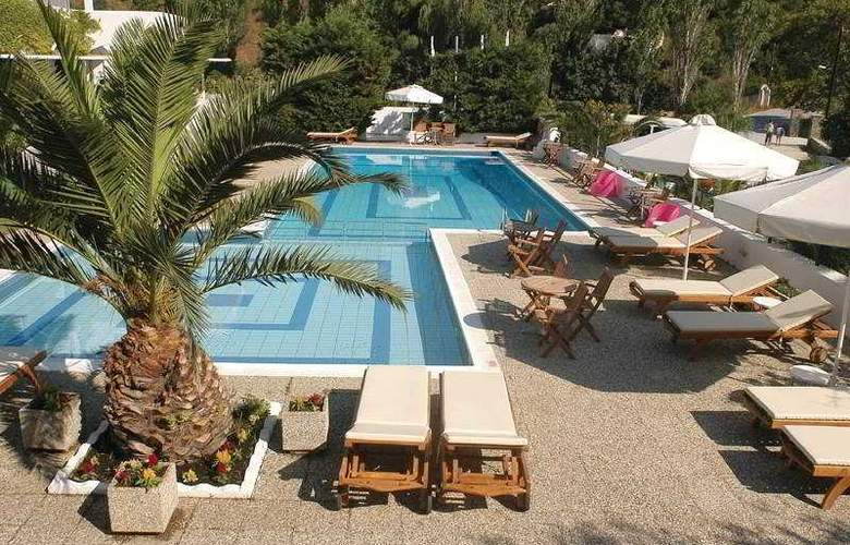 Plaza Skiathos - Pool - 5
