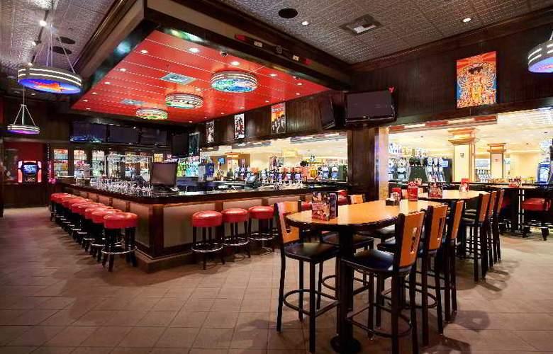 Gold Coast Hotel & Casino - Bar - 4