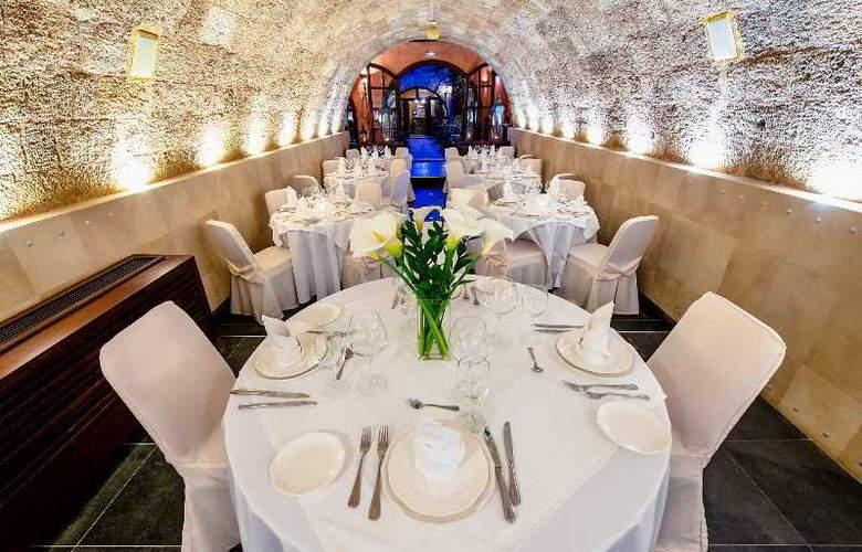 Avalon Boutique Suites - Restaurant - 11