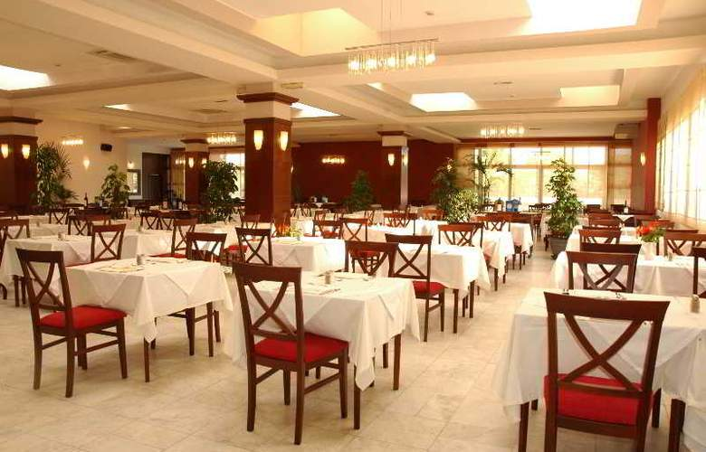 Montenegro Beach Resort - Restaurant - 5