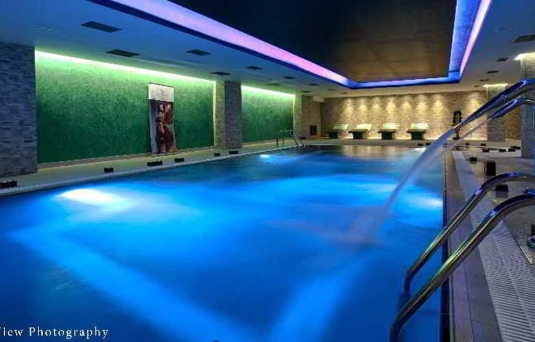 Arty Grand Hotel - Hotel - 6