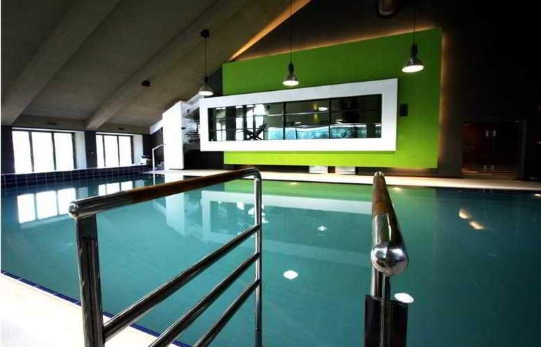 Orizont Hotel Predeal - Pool - 6