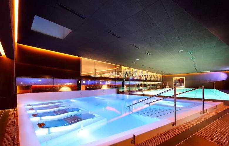 Occidental Bilbao - Pool - 27