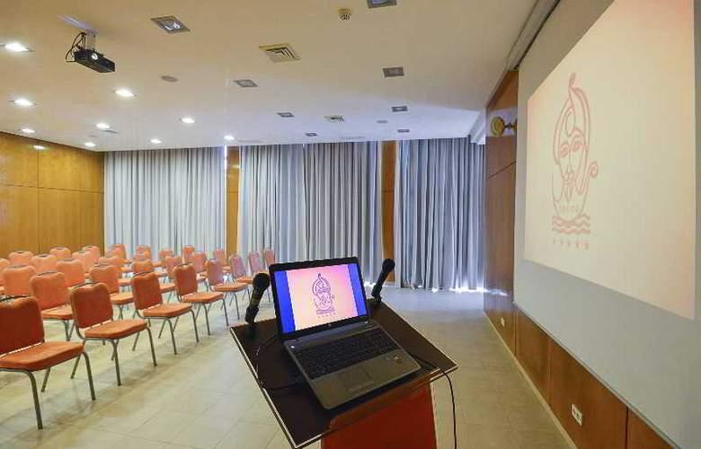 Sindbad - Conference - 30
