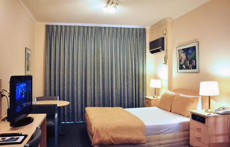 Best Western Airport Motel And Convention Centre - Room - 15