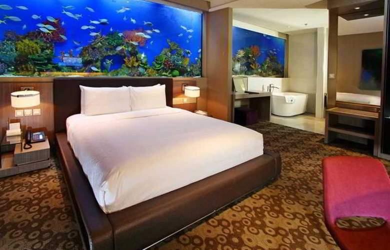 H2O - Room - 16