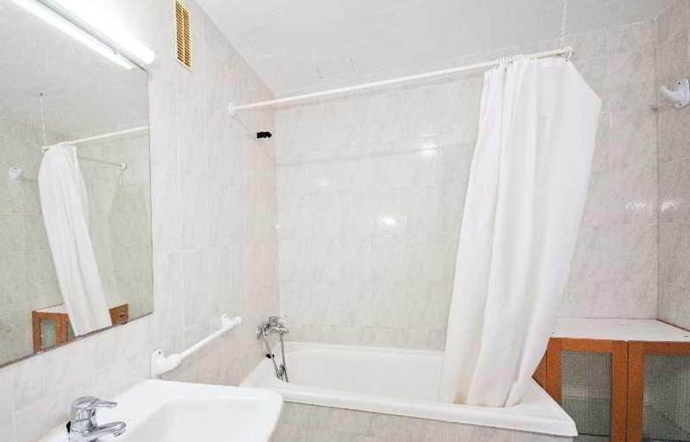 Llevant Apartamentos - Room - 3