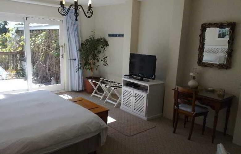 La Boheme Bed and Breakfast - Room - 16