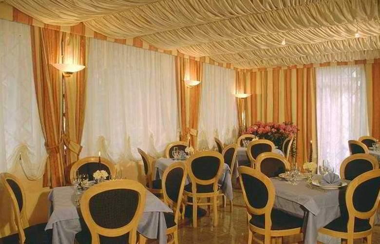 Park Hotel Dei Massimi - Restaurant - 5