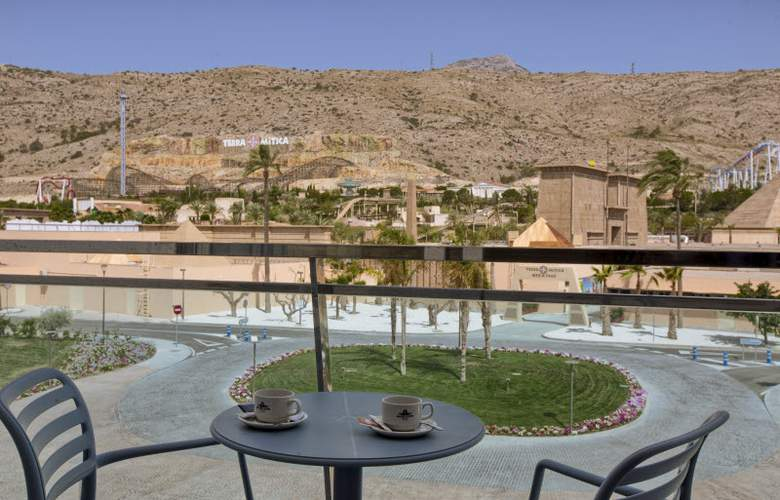Grand Luxor - Terrace - 29