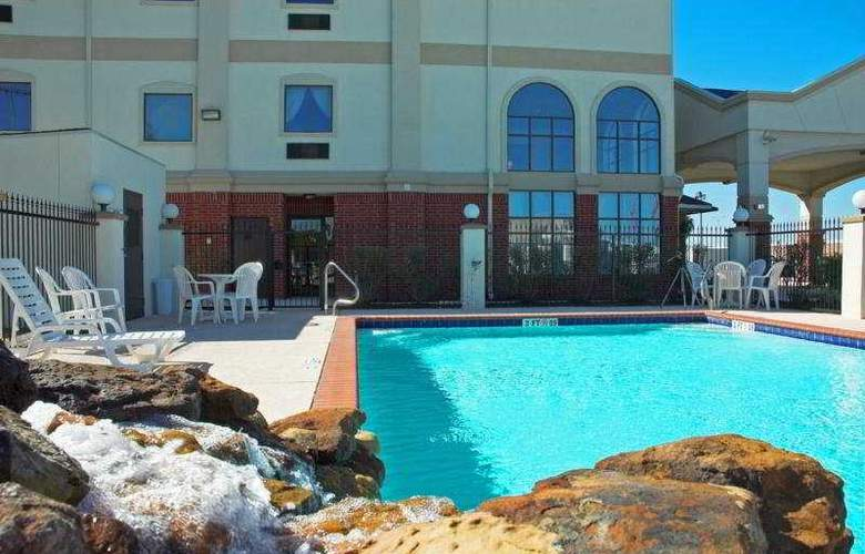 Best Western Houston Inn and Suites - Pool - 6