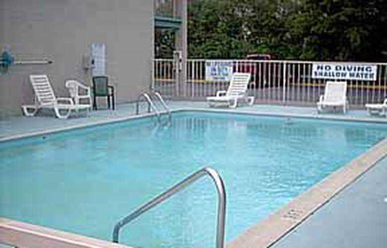 Econo Lodge (North Charleston) - Pool - 2