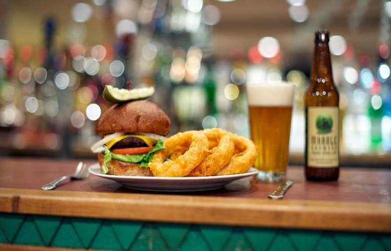Best Western Plus Rio Grande Inn - Bar - 64
