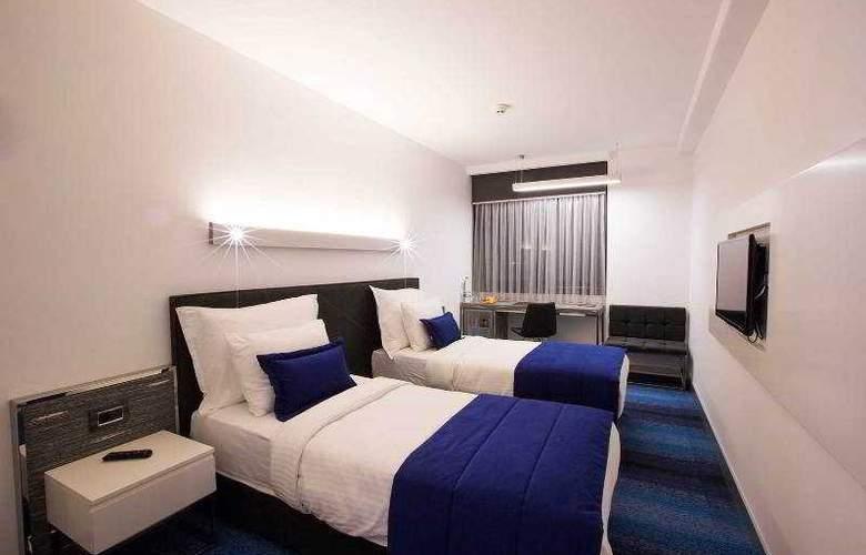 Zeniva Hotel - Room - 2