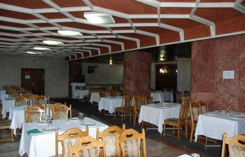 Moldova - Restaurant - 6