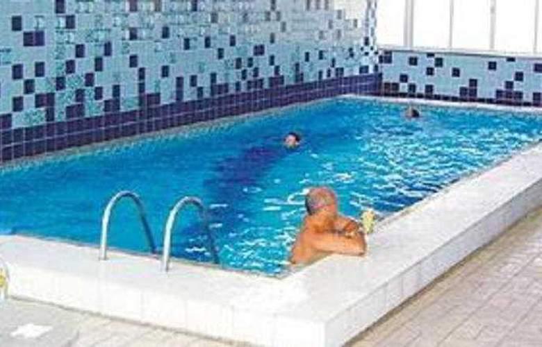 Pires - Pool - 3