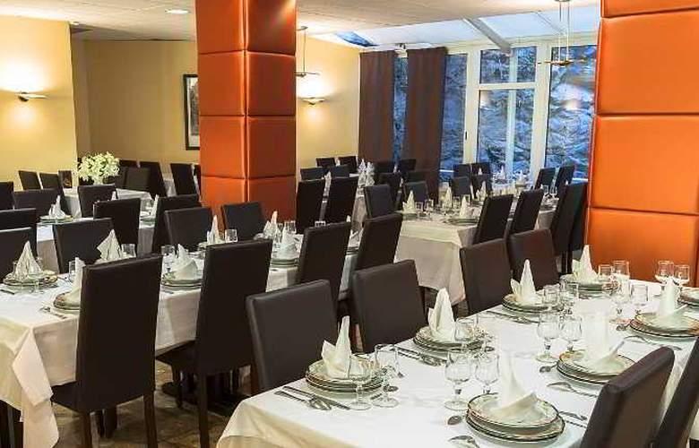 America Hotel Lourdes - Restaurant - 4