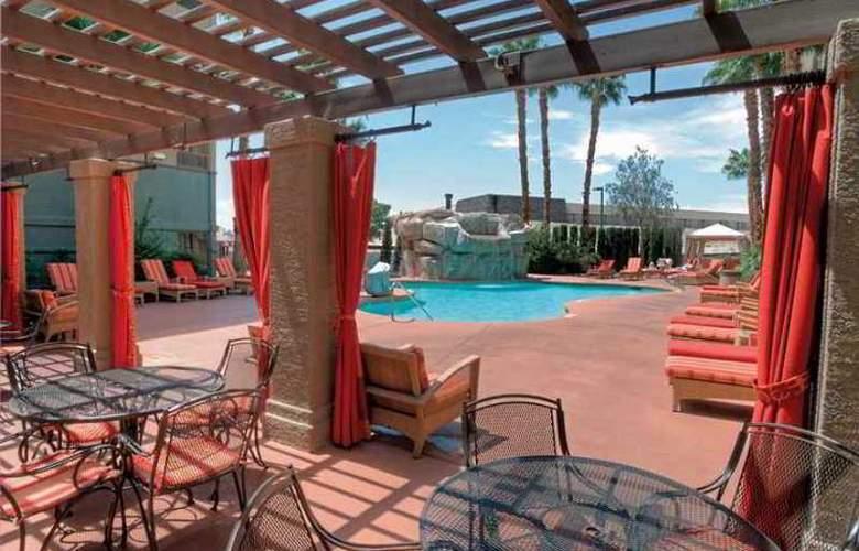Hampton Inn Tropicana - Hotel - 10